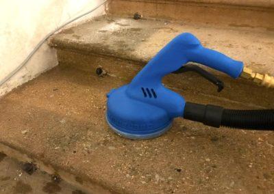 Čištění schodů a eskalátorů 06